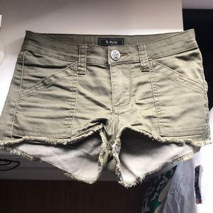 Pants - Olive shorts